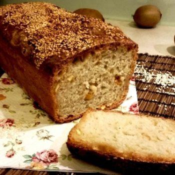 Chleb ze skórką pomarańczy w sezamie