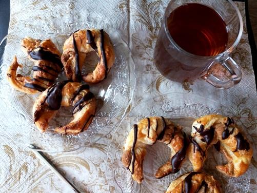 Francuskie ciasteczka orzechowe z polewą czekoladową