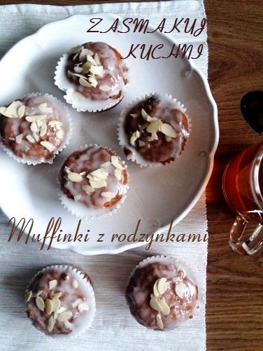 Muffinki pomarańczowe z rodzynkami